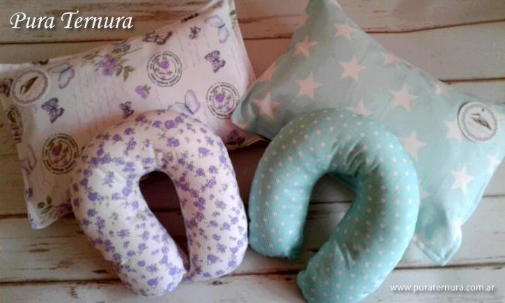 Set cuellito almohada de cuna Surtidos de estampados y colores.